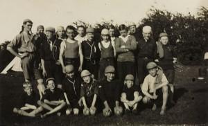 Marple_1929_whit_the_troop